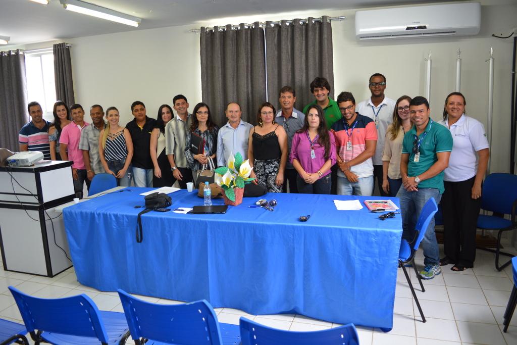 Legislativo, Executivo, Comunidade de Barra do Choça e Ministério Publico Estadual participaram da Reunião Pública da embasa para definição do sistema de esgotamento sanitário do município