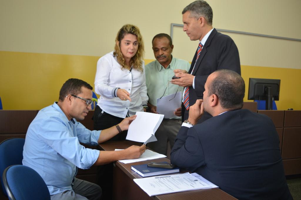 Câmara participa da assinatura do TAC, entre Executivo Municipal e Ministério Público, que  regulamenta a Guarda Municipal de Barra do Choça